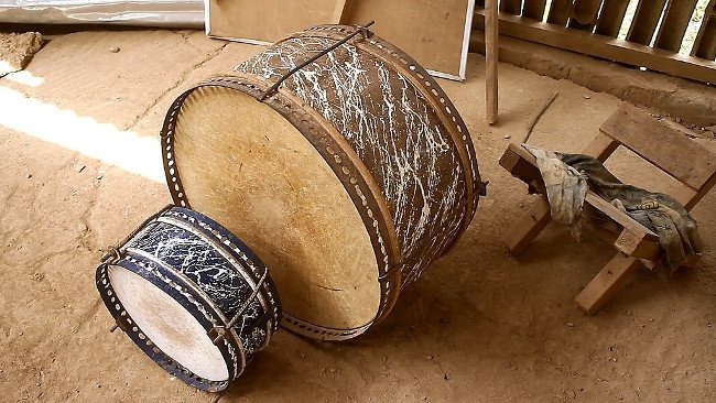The condition of used instruments like these drums is the biggest factor in the value of the instrument