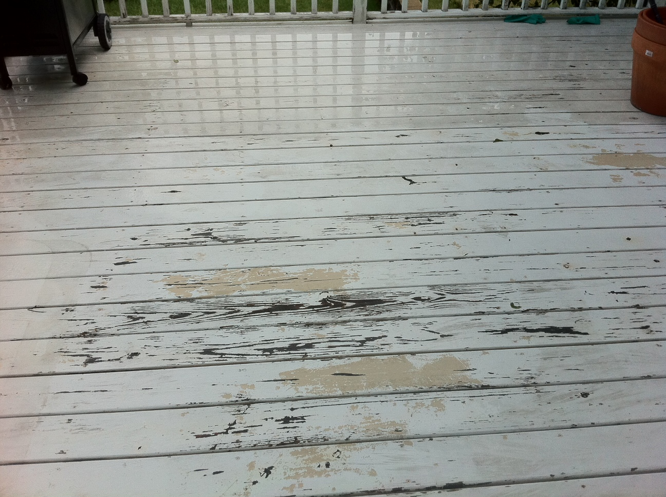 how to fix peeling paint on a deck