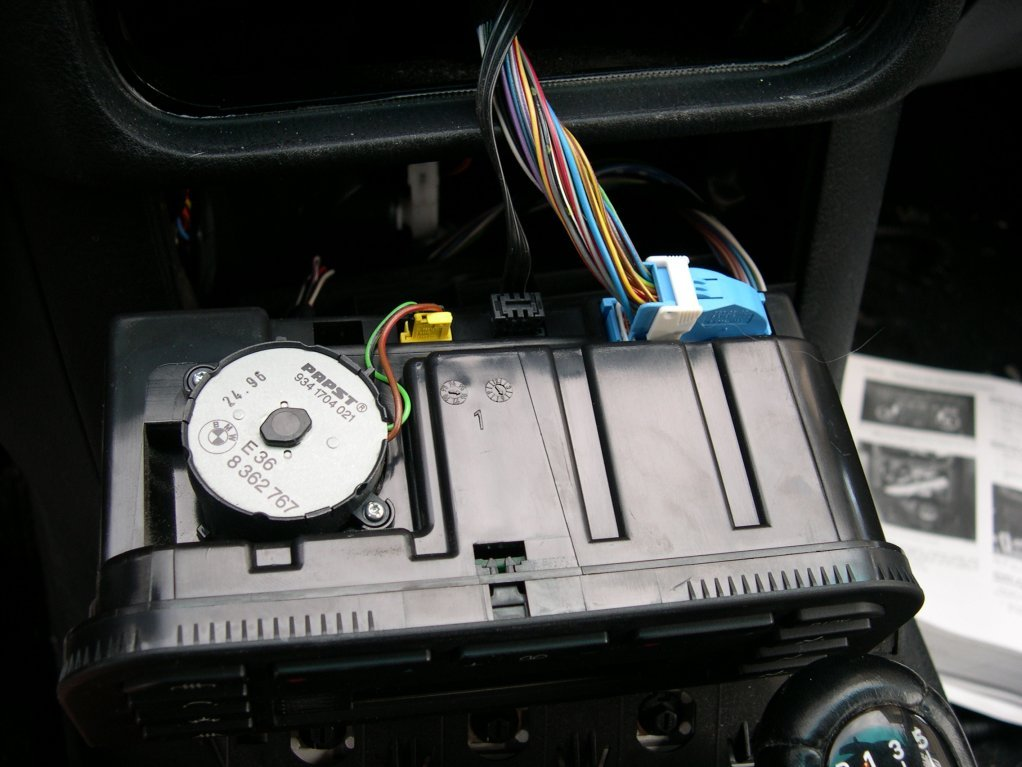 2010 10 25_232130_Dscn0964 there is a 3 wire black connector on the back of the climate e36 climate control wiring diagram at gsmx.co