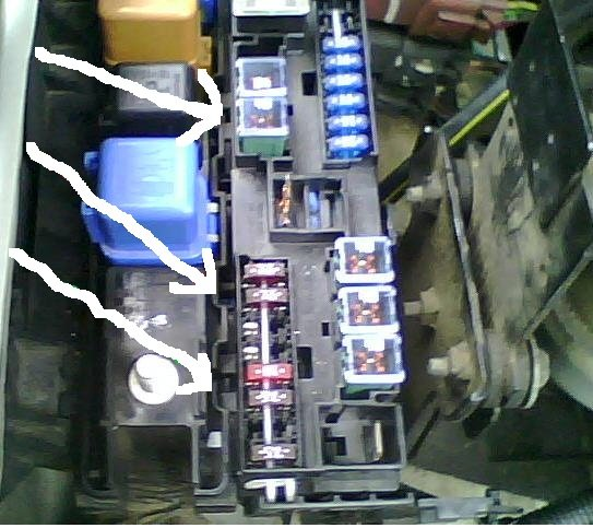 2010 03 23_150751_fuseablelink how do i remove a 120amp fuse from a lexus es 300? 120amp fuse box at webbmarketing.co