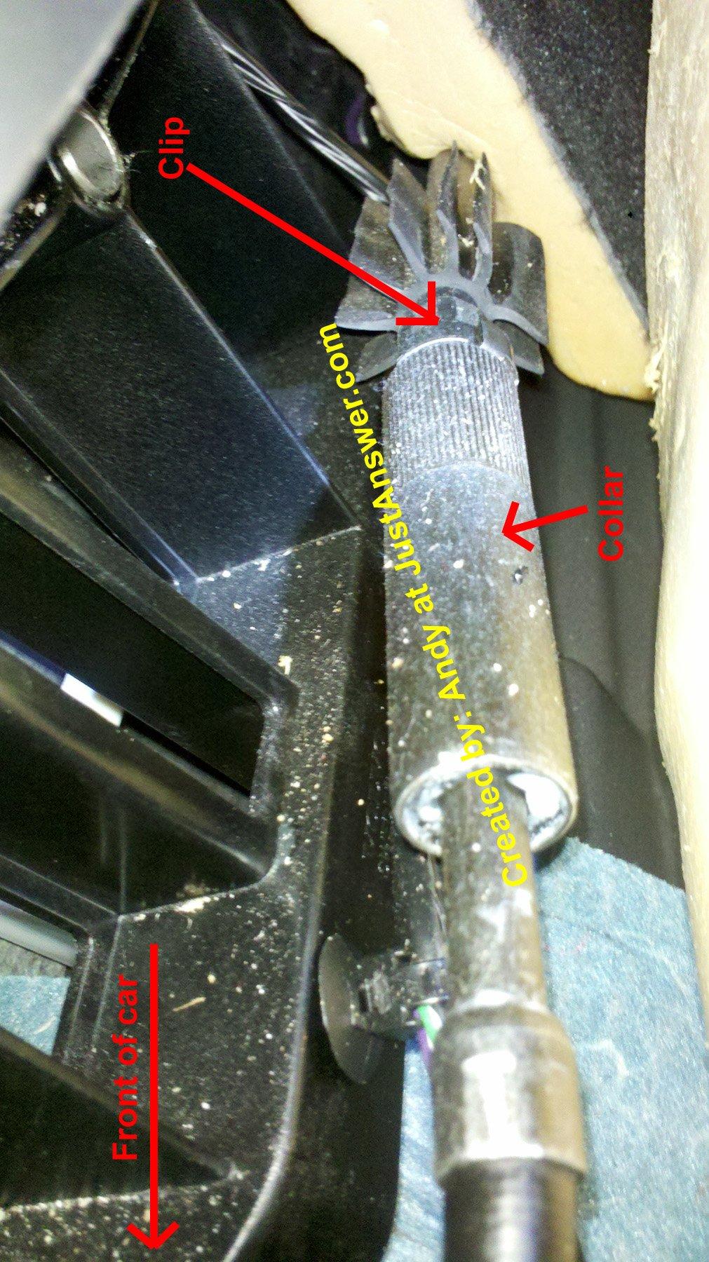 Volvo S60: Brake pad inspection