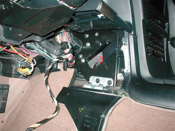 How Do You Remove The Body Control Module On A 1994 Corvette