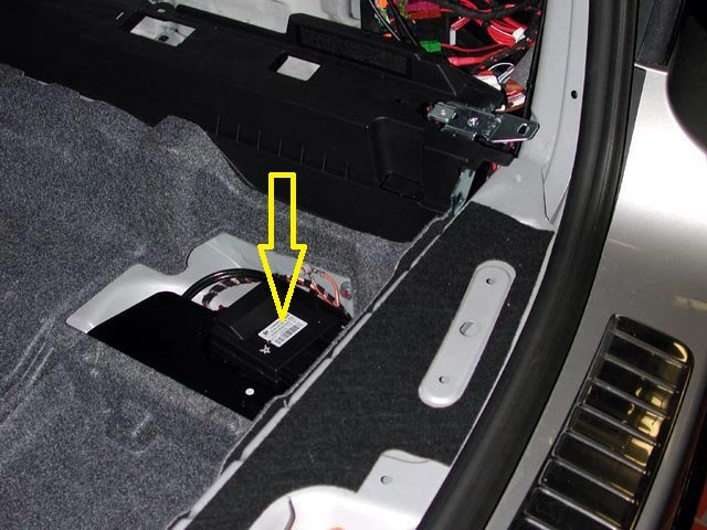 2013 07 27_034804_164_rear_end_door_closing_module mercedis benz ml350 tailgte does not open or close automatically fuse box diagram for 2011 ml350 at bayanpartner.co