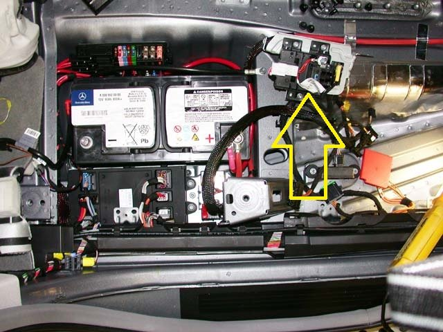 Farmall 656 Hydraulic System Diagram together with 8po9p Ml350 Hi Micheal A Few Months Ago Purchased 2010 Ml350 in addition Power Windows On With Ignition Off additionally Forklift Manual further 280 Metri Pack Female Crimp Terminal Sealed. on power seat fuse
