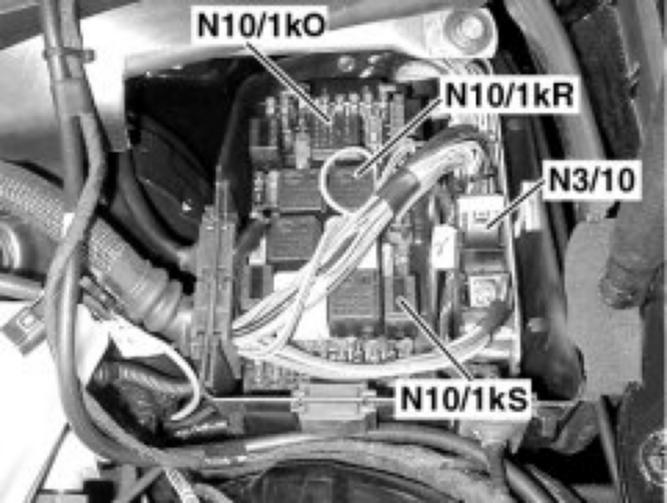 moreover Fuse N Front Sam Control Unit Fuses And Relay further D Early W Blower Motor Regulator Replacement Diy Here likewise Hqdefault moreover Pic. on mercedes secondary air pump relay location