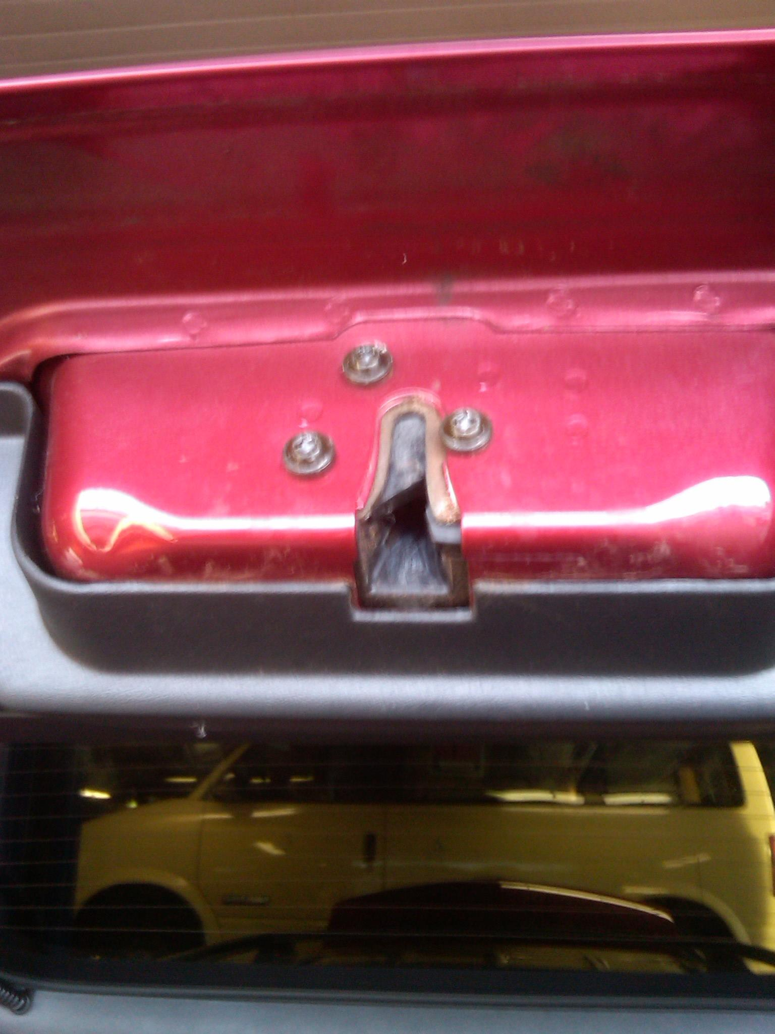 My 2000 Chevy Blazer Hatch Door Will Not Lock  I Had This Problem About 4 Years Ago And It Cost