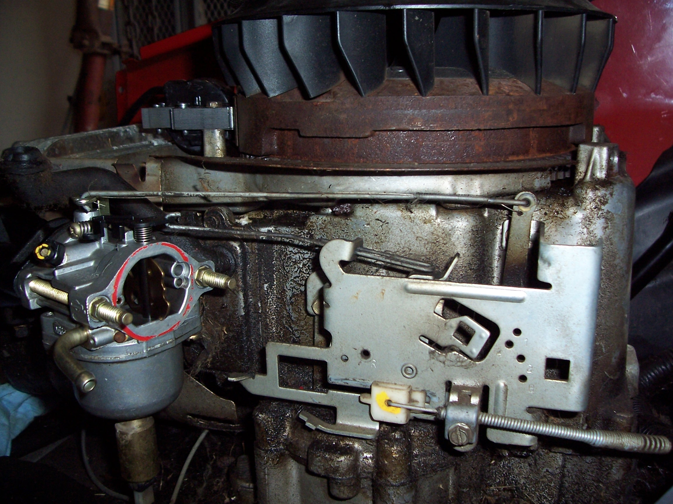 Briggs And Stratton Engine >> Do any one no the proper linkage set up on a craftsman lt 2000 with a 17.5 hp Briggs and stanton ...