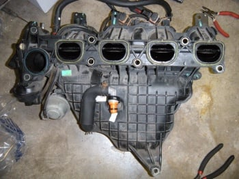 i am trying to remove the intake manifold on my 2004 mazda ford escape engine diagram #6